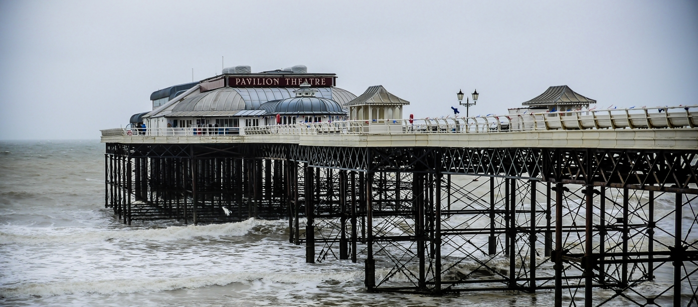 Cromer Pier in the Wet! Les McCulloch