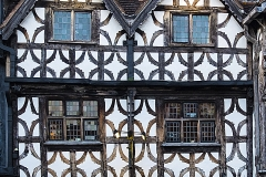 321 AG Defined Ancient windows Stratford on Avon